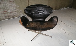 Arne Jacobsen Swan Chair before reupholstery
