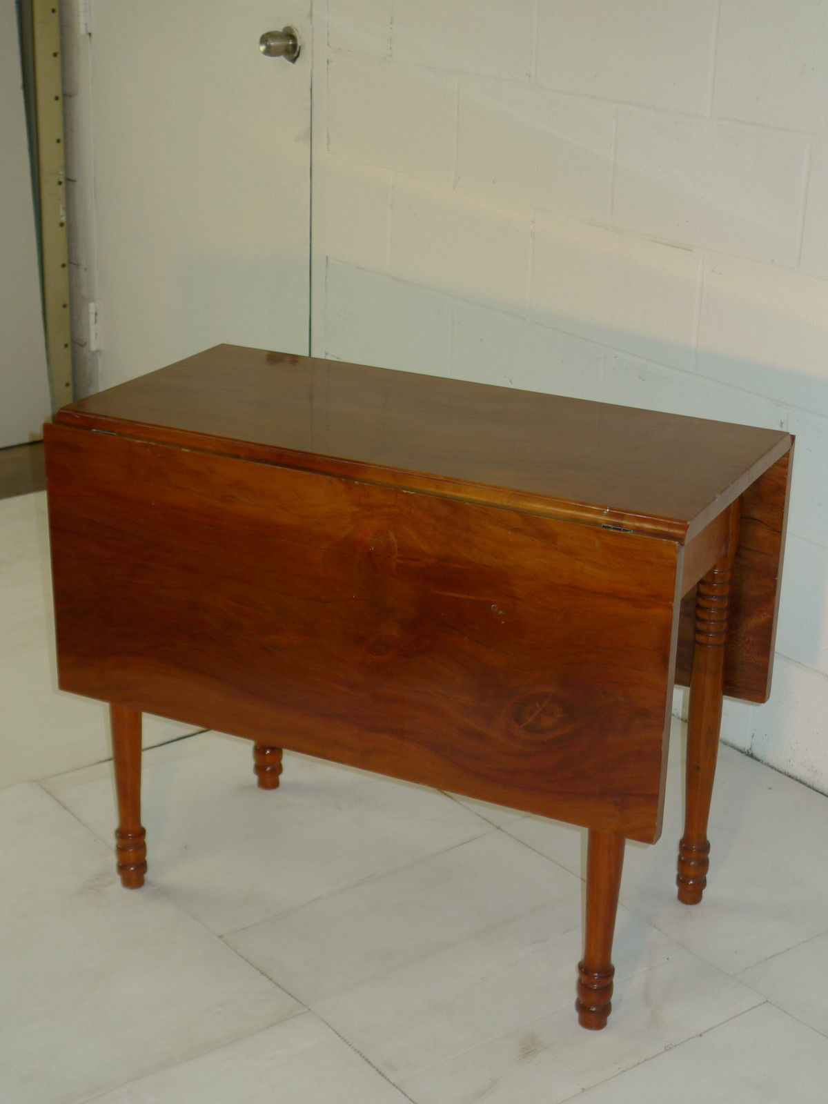 American Sheraton Period Beech Top Cherry Base Drop Leaf Table - Click Image to Close