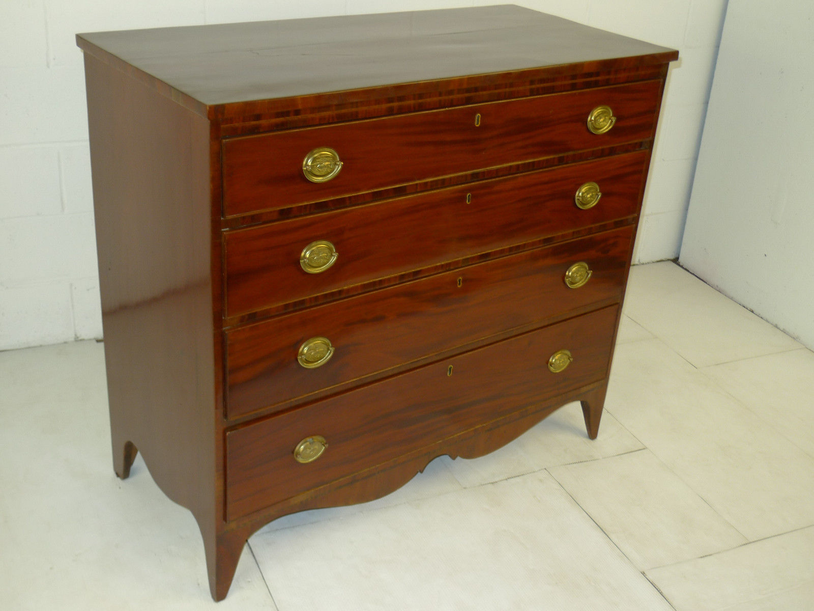 Amer. Federal Period Hepplewhite Mahogany Chest Drawers Dresser
