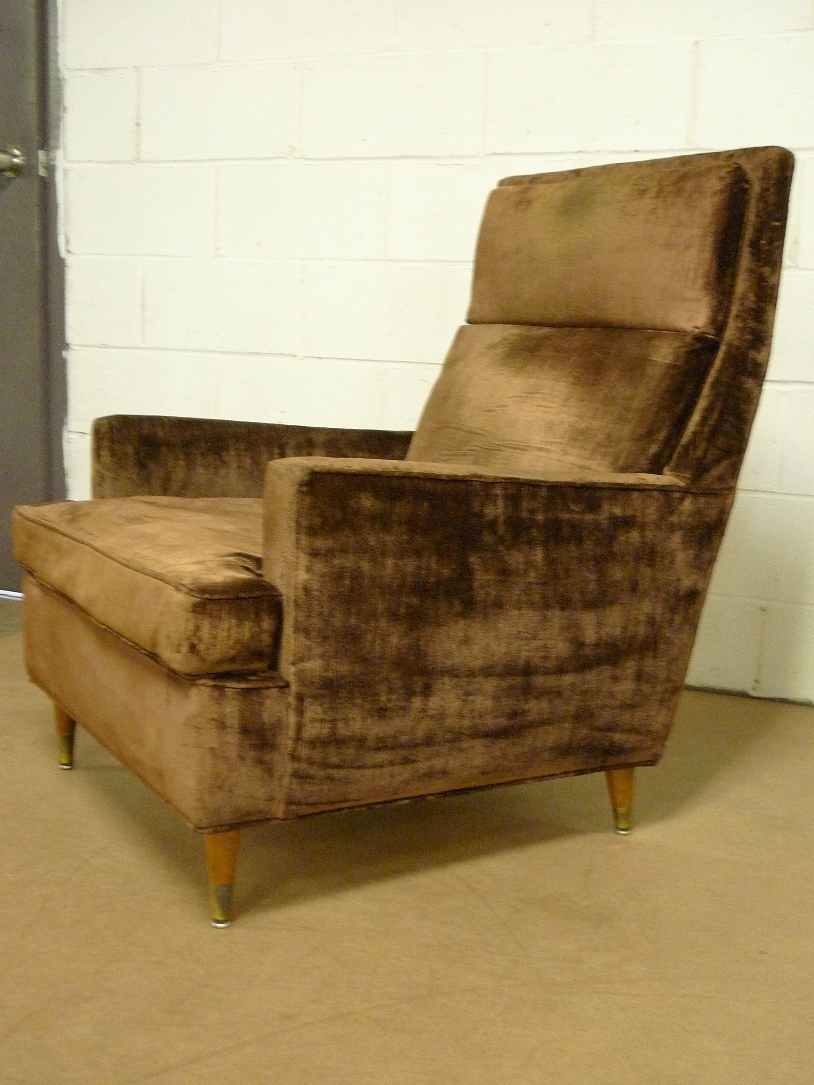 brown cushion armrest chair welcome to olek lejbzon shopping site by olek inc. Black Bedroom Furniture Sets. Home Design Ideas