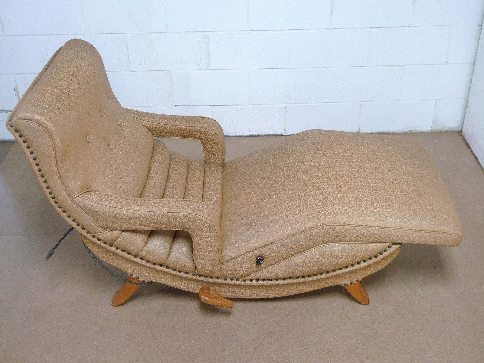 1950's Vintage Mid Century Modern Massage Chair